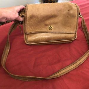 Coach classic leather shoulder bag
